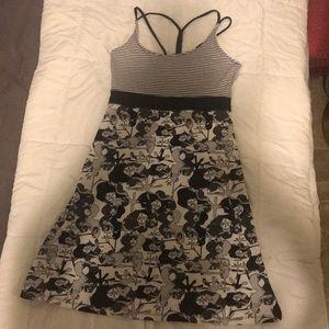 Funky / fun black & white / gray dress